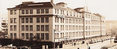 Een historische foto van het Centa-Star atelier